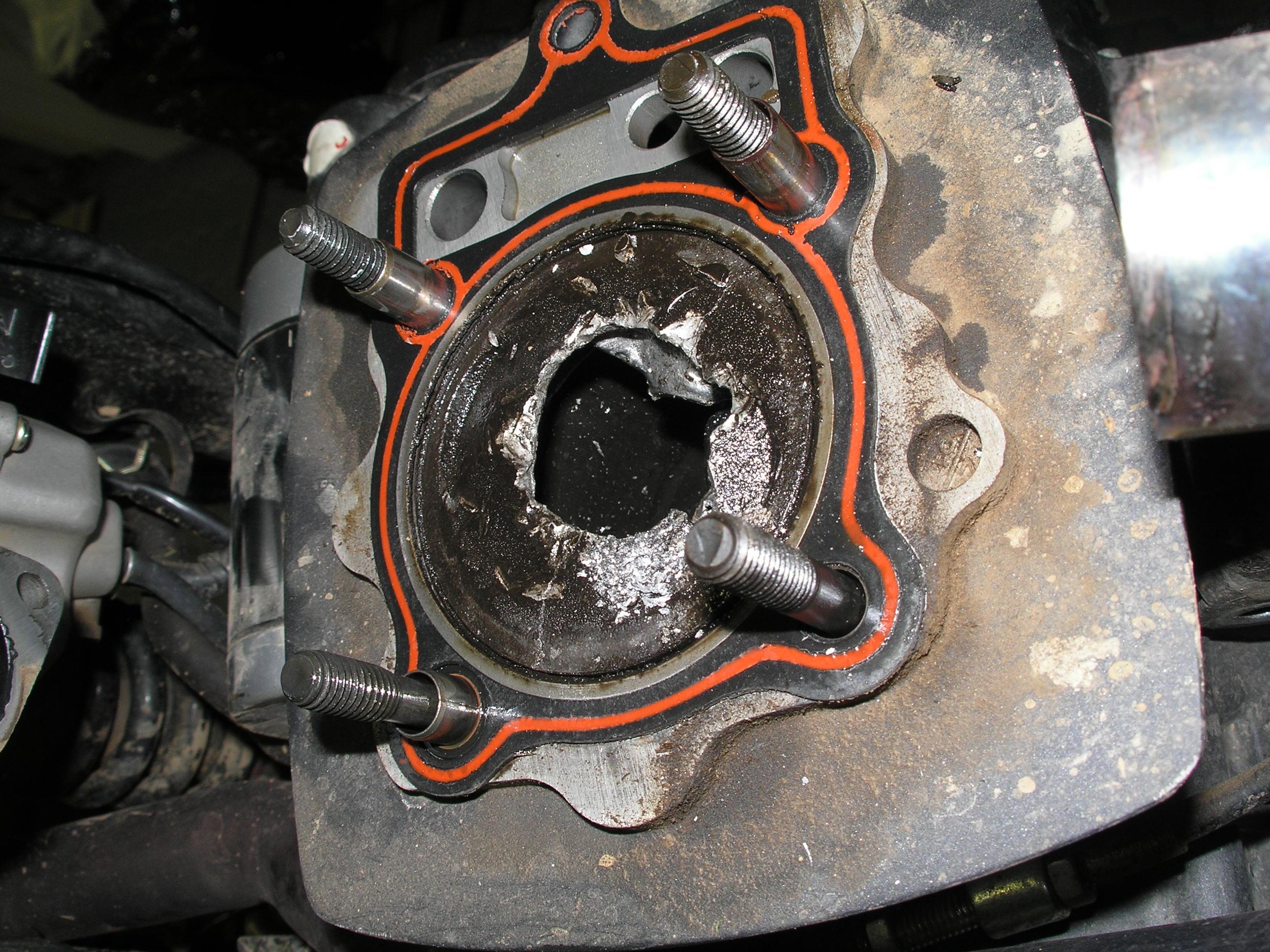potkaný motor xmoto 250