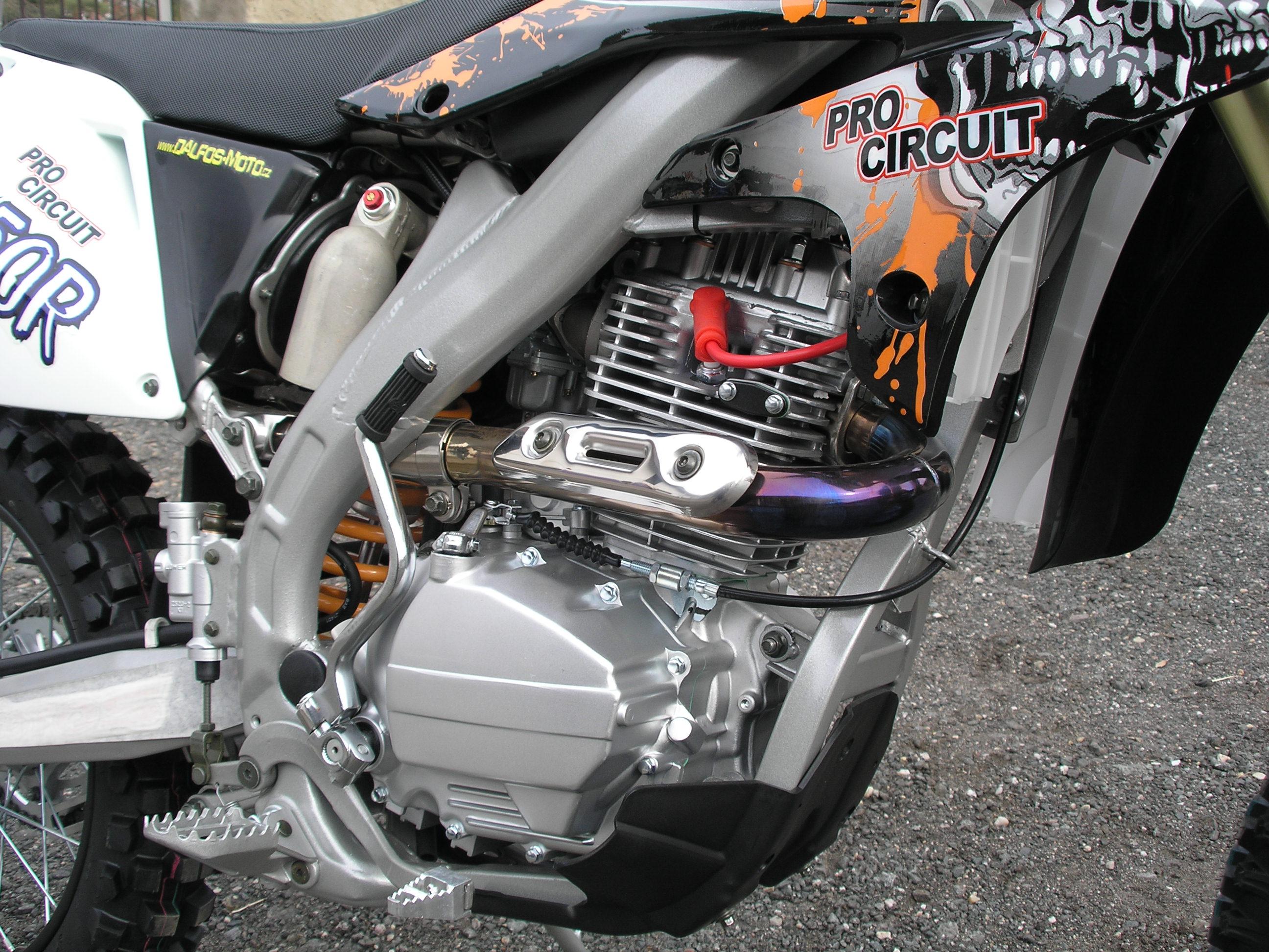 Jaké jsou dirtbiky 250ccm