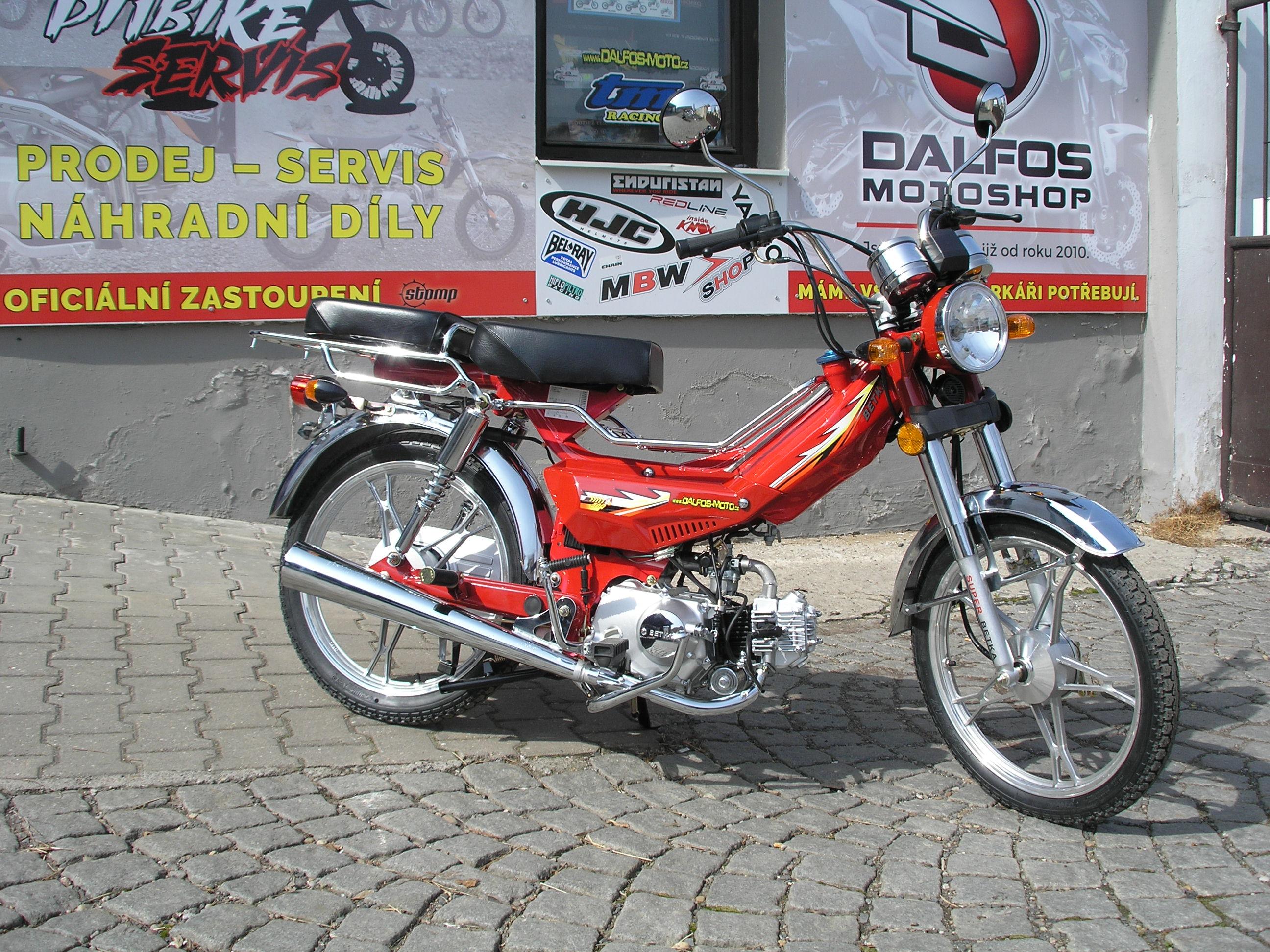 Moped Betka recenze